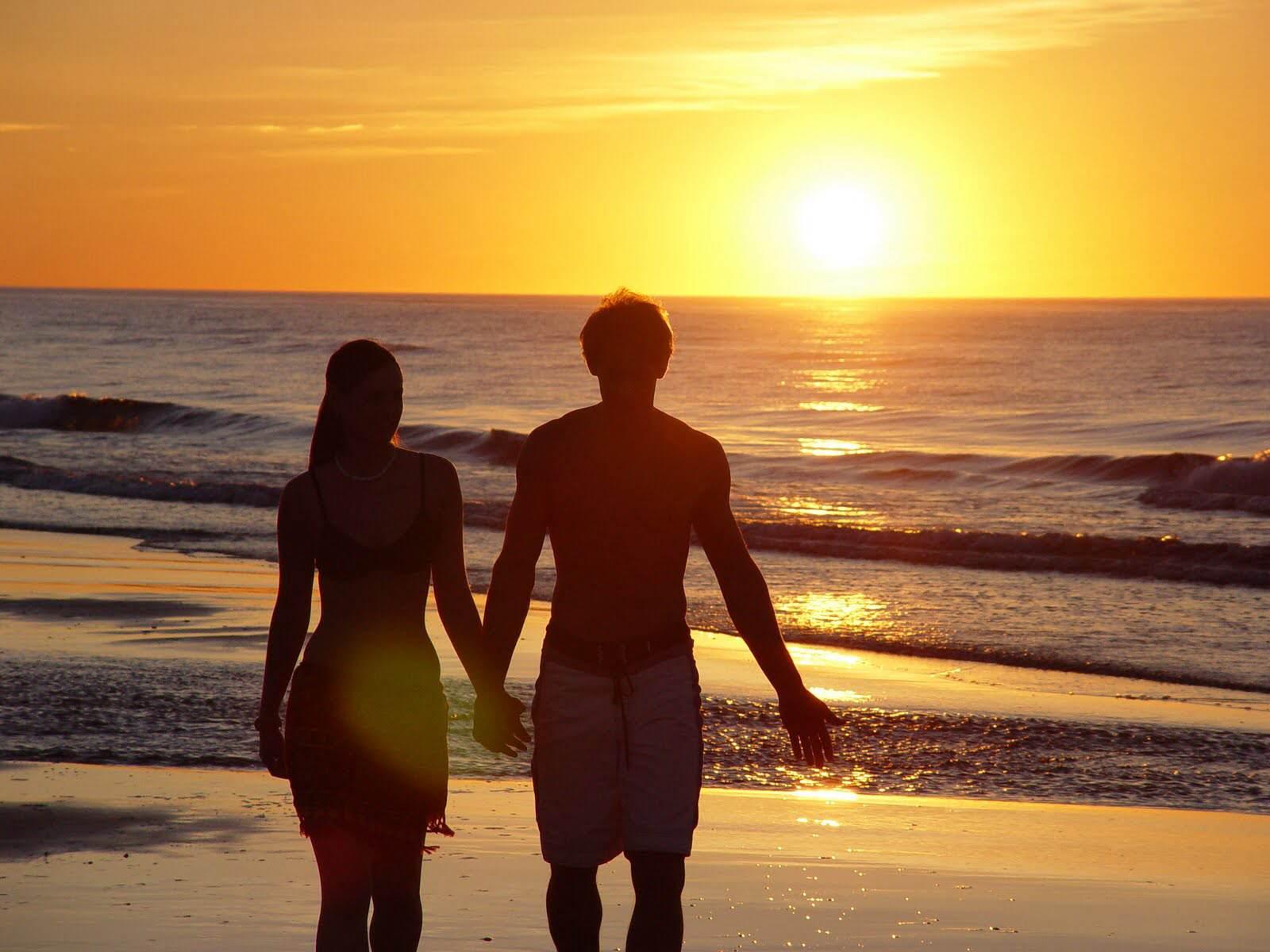 Love couple On Beach Wallpaper : Viajes romanticos - El blog de Vertierra - Destinos, experiencias, viajes tematicos? Disfruta y ...