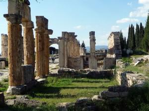 1280px-Hierapolis,_Turkiet