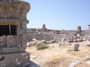 1280px-Xanthos_ruins