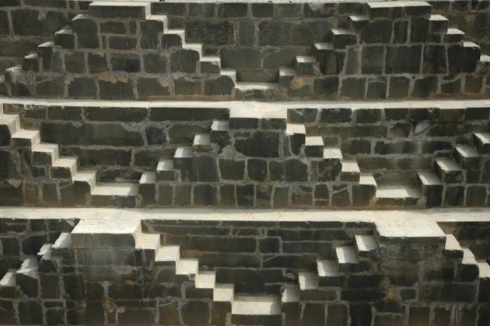 Viajar a la India: el baori escalonado de Abhaneri y el templo de Harshat Mata