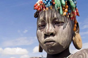 Viajar a Etiopía_ chico Surma