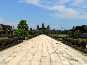 Vista frontal del templo de Angkor Wat.