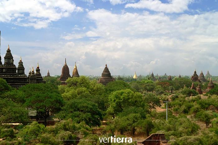 Viajar a Myanmar: un paseo por Bagán, la ciudad de los cinco mil templos