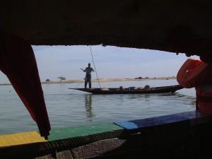Pescadores etnia Bozo sobre el Níger